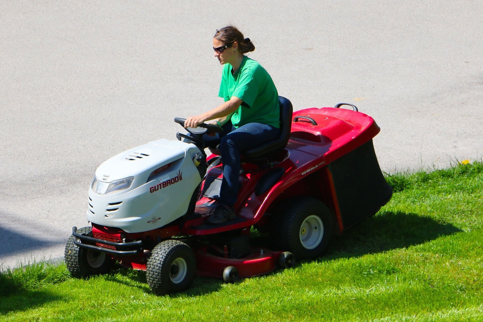 Best Riding Lawn Mowers Amp Tractor Reviews Amp Guide Lawn