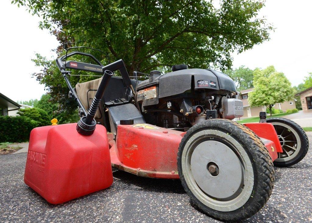 Best Gas Self Propelled Lawn Mowers Reviews Amp Guide Best