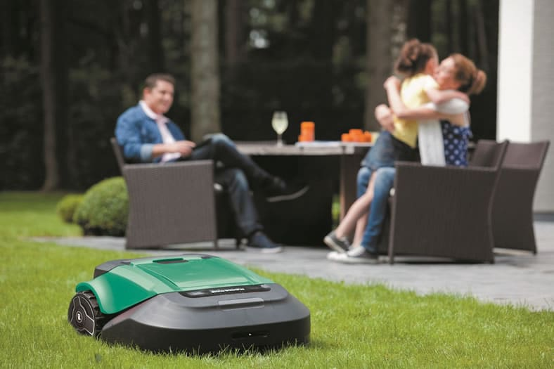 Robomow Rs630 Robotic Lawn Mower Review Best Lawn Mower